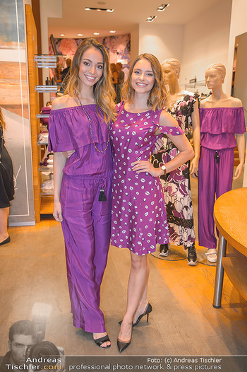 Bettina Assinger Kolletion - Jones Store - Di 08.05.2018 - Julia FURDEA, Celine SCHRENK15