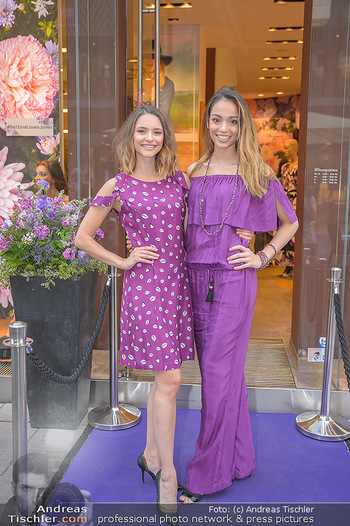 Bettina Assinger Kolletion - Jones Store - Di 08.05.2018 - Julia FURDEA, Celine SCHRENK19