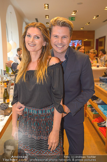 Bettina Assinger Kolletion - Jones Store - Di 08.05.2018 - Adi WEISS, Martina KAISER24