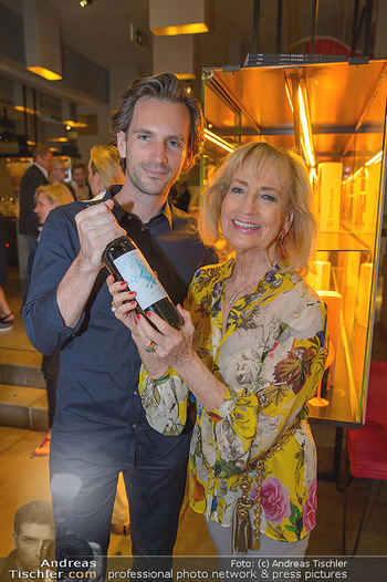 LifeBall Wein - Wein & Co - Di 08.05.2018 - Dagmar KOLLER, Michael BALGAVY16