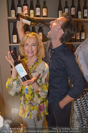 LifeBall Wein - Wein & Co - Di 08.05.2018 - Michael BALGAVY, Dagmar KOLLER58