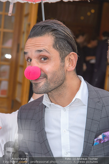 Gesund & Fit Award - Novomatic Forum - Di 15.05.2018 - Fadi MERZA (Portrait mit Clown-Nase)56