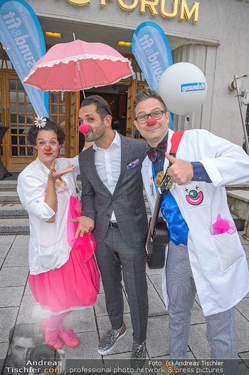 Gesund & Fit Award - Novomatic Forum - Di 15.05.2018 - Fadi MERZA mit Clowns57