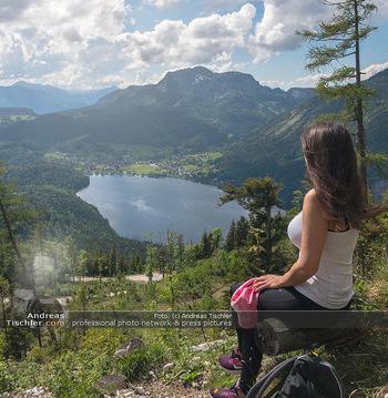 Feel Austria - Österreich - Mi 16.05.2018 - Frau Wanderer Salzkammergut Bad Aussee Alt Ausseer See Wandern F32