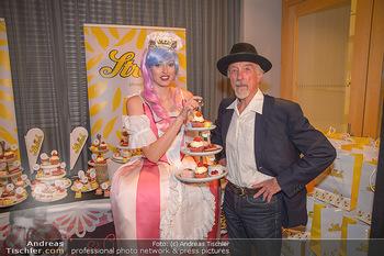 25 Jahre LifeBall PK - Hotel LeMeridien - Mi 16.05.2018 - Arik BRAUER mit Str�ck-Promotiondame7