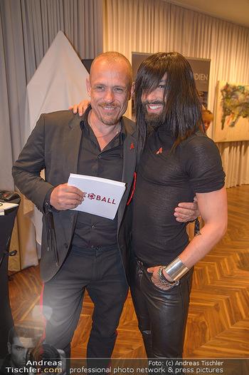 25 Jahre LifeBall PK - Hotel LeMeridien - Mi 16.05.2018 - Conchita (WURST), Gery KESZLER34