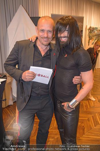 25 Jahre LifeBall PK - Hotel LeMeridien - Mi 16.05.2018 - Conchita (WURST), Gery KESZLER36