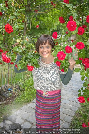 PK zu Rosenburg Festspielen - Deli Bluem - Mi 16.05.2018 - Nina BLUM (Portrait mit Rosen)5