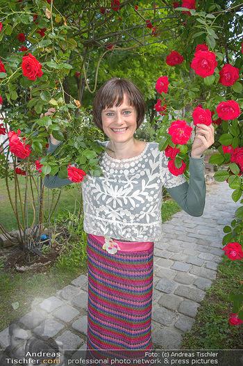 PK zu Rosenburg Festspielen - Deli Bluem - Mi 16.05.2018 - Nina BLUM (Portrait mit Rosen)7