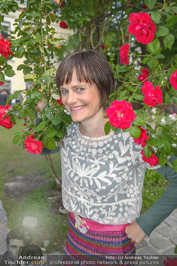 PK zu Rosenburg Festspielen - Deli Bluem - Mi 16.05.2018 - Nina BLUM (Portrait mit Rosen)8