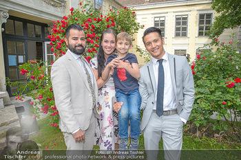 PK zu Rosenburg Festspielen - Deli Bluem - Mi 16.05.2018 - Morteza TAVAKOLI, Adriana ZARTL mit Sohn Luca, Vincent BUENO19