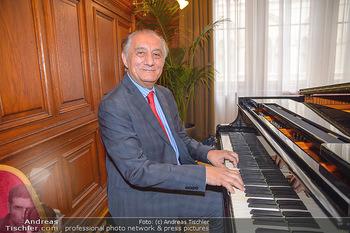 Goldenes Verdienstzeichen Verleihung - Rathaus Wien - Do 17.05.2018 - Bela KORENY am Fl�gel, Klavier17
