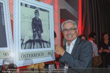 Andreas Gabalier Vergiss Mein nicht CD Präsentation - Palais Wertheim, Wien - Di 29.05.2018 - Georg P�LZL mit Andreas GABALIER Briefmarke25