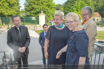 Crystal of hope an Charlize Theron - Kaiserpavillon Schönbrunn - Do 31.05.2018 - Beate HARTINGER-KLEIN, Doris POMMERENING11