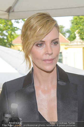Crystal of hope an Charlize Theron - Kaiserpavillon Schönbrunn - Do 31.05.2018 - Charlize THERON (Portrait)20