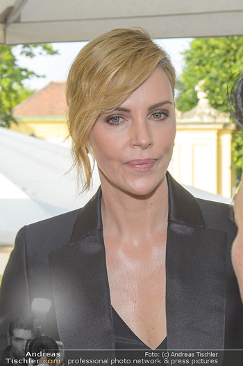 Crystal of hope an Charlize Theron - Kaiserpavillon Schönbrunn - Do 31.05.2018 - Charlize THERON (Portrait)21