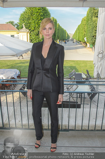 Crystal of hope an Charlize Theron - Kaiserpavillon Schönbrunn - Do 31.05.2018 - Charlize THERON26