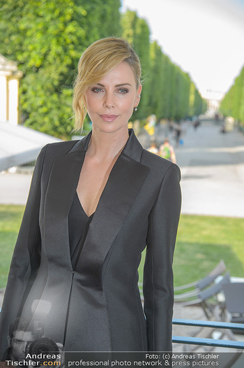 Crystal of hope an Charlize Theron - Kaiserpavillon Schönbrunn - Do 31.05.2018 - Charlize THERON (Portrait)29