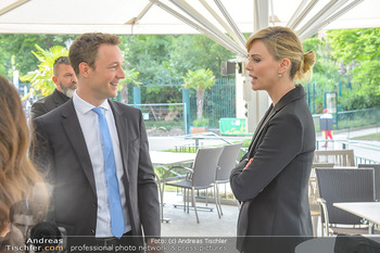 Crystal of hope an Charlize Theron - Kaiserpavillon Schönbrunn - Do 31.05.2018 - Charlize THERON, Gernot BLÜMEL31