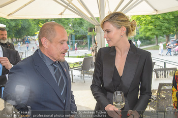 Crystal of hope an Charlize Theron - Kaiserpavillon Schönbrunn - Do 31.05.2018 - Charlize THERON, Gery KESZLER35