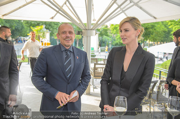 Crystal of hope an Charlize Theron - Kaiserpavillon Schönbrunn - Do 31.05.2018 - Charlize THERON, Gery KESZLER38