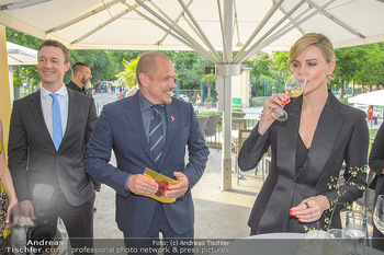 Crystal of hope an Charlize Theron - Kaiserpavillon Schönbrunn - Do 31.05.2018 - Charlize THERON, Gery KESZLER39