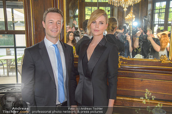 Crystal of hope an Charlize Theron - Kaiserpavillon Schönbrunn - Do 31.05.2018 - Gernot BLÜMEL, Charlize THERON56