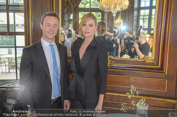 Crystal of hope an Charlize Theron - Kaiserpavillon Schönbrunn - Do 31.05.2018 - Gernot BLÜMEL, Charlize THERON57