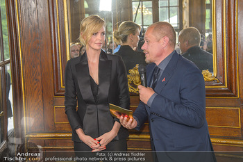 Crystal of hope an Charlize Theron - Kaiserpavillon Schönbrunn - Do 31.05.2018 - Charlize THERON, Gery KESZLER63