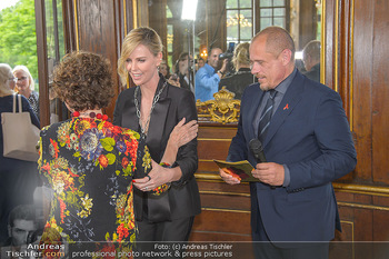 Crystal of hope an Charlize Theron - Kaiserpavillon Schönbrunn - Do 31.05.2018 - Charlize THERON, Gery KESZLER, Helene VAN DAMM67