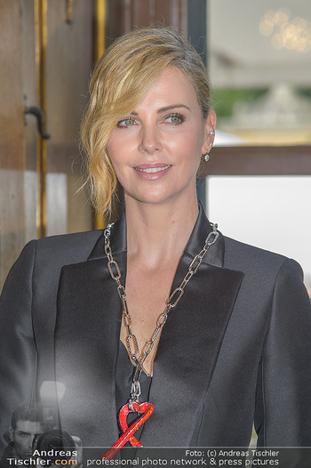 Crystal of hope an Charlize Theron - Kaiserpavillon Schönbrunn - Do 31.05.2018 - Charlize THERON (Portrait)72