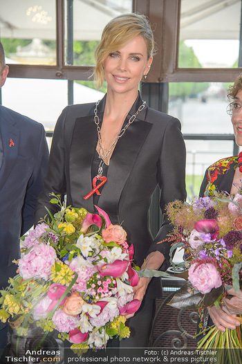 Crystal of hope an Charlize Theron - Kaiserpavillon Schönbrunn - Do 31.05.2018 - Charlize THERON75