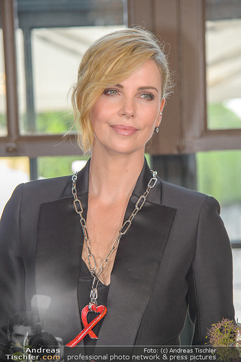 Crystal of hope an Charlize Theron - Kaiserpavillon Schönbrunn - Do 31.05.2018 - Charlize THERON (Portrait)77