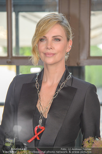 Crystal of hope an Charlize Theron - Kaiserpavillon Schönbrunn - Do 31.05.2018 - Charlize THERON (Portrait)78