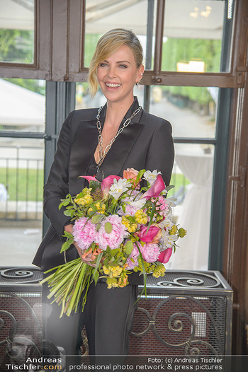 Crystal of hope an Charlize Theron - Kaiserpavillon Schönbrunn - Do 31.05.2018 - Charlize THERON80