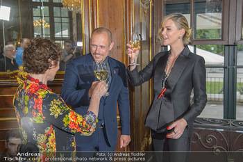 Crystal of hope an Charlize Theron - Kaiserpavillon Schönbrunn - Do 31.05.2018 - Charlize THERON, Gery KESZLER, Helene VAN DAMM86