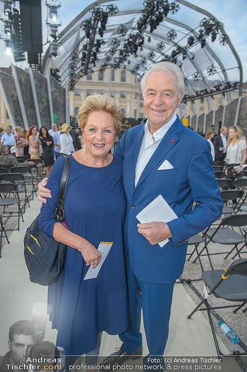 Sommernachtskonzert 2018 - Schloss Schönbrunn - Do 31.05.2018 - Harald und Mausi Ingeborg SERAFIN7