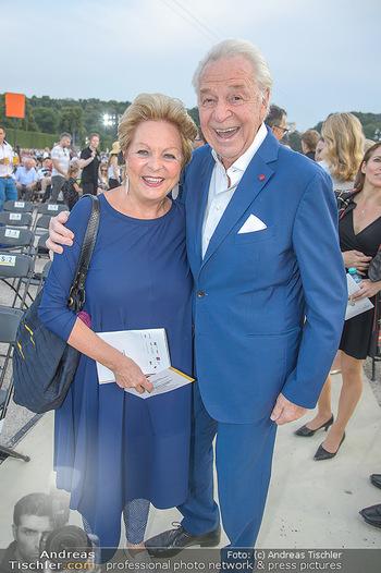 Sommernachtskonzert 2018 - Schloss Schönbrunn - Do 31.05.2018 - Harald und Mausi Ingeborg SERAFIN8