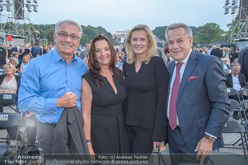 Sommernachtskonzert 2018 - Schloss Schönbrunn - Do 31.05.2018 - Georg P�LZL mit Ehefrau Evelyn, Sigi WOLF mit Ehefrau Andrea15