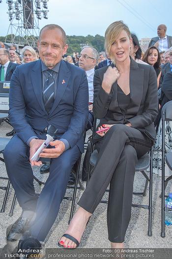 Sommernachtskonzert 2018 - Schloss Schönbrunn - Do 31.05.2018 - Gery KESZLER, Charlize THERON29