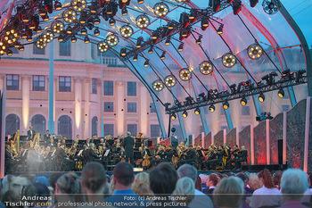 Sommernachtskonzert 2018 - Schloss Schönbrunn - Do 31.05.2018 - B�hnenfoto, Zuschauer, Schloss Sch�nbrunn63