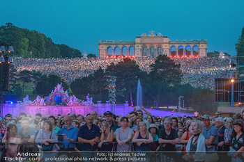 Sommernachtskonzert 2018 - Schloss Schönbrunn - Do 31.05.2018 - Zuschauer, Menschenmassen, Publikum, Gloriette, Schloss Sch�nbr77