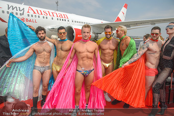 Lifeball Flieger Ankunft - Flughafen Wien Schwechat - Fr 01.06.2018 - Lifeball G�ste in Kost�men1