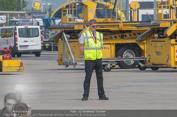 Lifeball Flieger Ankunft - Flughafen Wien Schwechat - Fr 01.06.2018 - 35