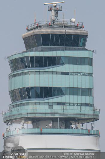 Lifeball Flieger Ankunft - Flughafen Wien Schwechat - Fr 01.06.2018 - Tower Flughafen Airport VIE41