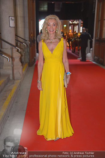 LifeBall 2018 - Red Carpet - Rathaus - Sa 02.06.2018 - Elisabeth HIMMER-HIRNIGEL2