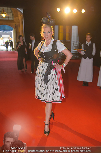 LifeBall 2018 - Red Carpet - Rathaus - Sa 02.06.2018 - Liane SEITZ3