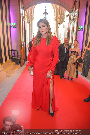 LifeBall 2018 - Red Carpet - Rathaus - Sa 02.06.2018 - Caitlyn JENNER6