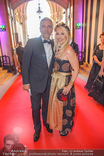 LifeBall 2018 - Red Carpet - Rathaus - Sa 02.06.2018 - Christian P�TTLER, Uschi FELLNER-P�TTLER7
