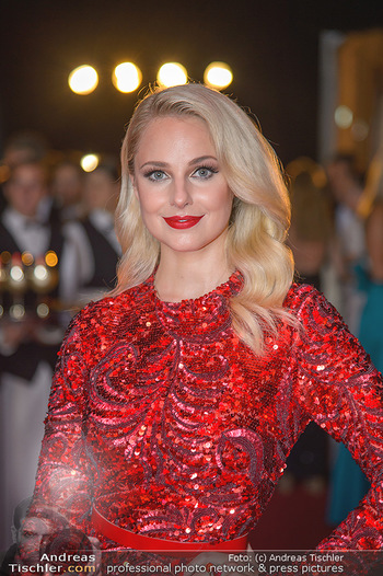 LifeBall 2018 - Red Carpet - Rathaus - Sa 02.06.2018 - Silvia SCHNEIDER (Portrait)14